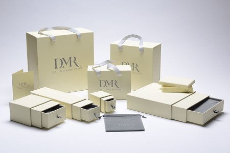 Is it possible to give your custom boxes a distinctive and distinguished look?